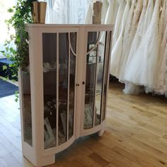 Elizabeth Kate luxury designer wedding, bridesmaid and flowergirl dress shop in Crowle, Scunthorpe, Lincolnshire. For a fabulous experience 01724 Wedding Dress Boutiques, Designer Wedding Dresses, Crystal Chandelier Lighting, Exposed Brick Walls, Prom Dress Shopping, Stella York, Leather Furniture, Dream Dress, Interior And Exterior