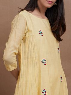 The Loom- An online Shop for Exclusive Handcrafted products comprising of Apparel, Sarees, Jewelry, Footwears & Home decor. Pakistani Fashion Casual, Pakistani Dresses Casual, Pakistani Dress Design, Dress Neck Designs, Designs For Dresses, Blouse Designs, Kurta Patterns, Kurti Embroidery Design, Kurta Neck Design