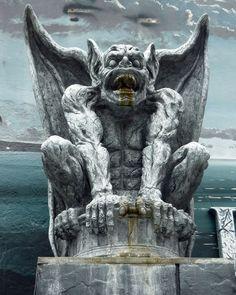 Gargoyle on the Santa Cruz Boardwalk