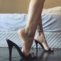 @goddess_grazi your mules shoes are fabulous ❤️ #shoe #shoes #shoesaddict #shoestagram #shoeporn #shoeplay #mule #mules #muleshoes #heel #heels #heelsaddict #highheels #legs #feet #foot #footfetishnation #goddess #footmodel #absolutfootfetish