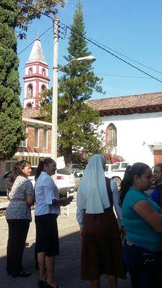 Saludando a las amigas en el Santuario de Acahuato...