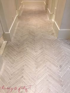 Honey and Fitz Collection - DIY Flooring Projects – Brick Flooring – Cheap Flooring Ideas for Those on a Budget – Inexpen - Brick Pavers, Brick Flooring, Diy Flooring, Bathroom Flooring, Kitchen Flooring, Brick Tile Floor, Tile Wood, Cheap Flooring Ideas Diy, Entryway Tile Floor