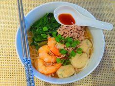 Rice noodle soup (Bee Thai Bak). Recipe taken from http://rasamalaysia ...