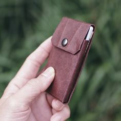 Simple Wallet, Minimal Living, Eco Friendly Paper, Ethical Brands, Minimalist Wallet, Everyday Carry, Footprint, Card Wallet, Coffee Shop