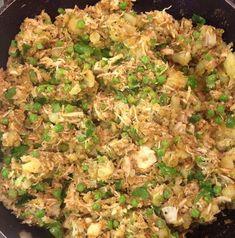 This Muslim Girl Bakes: Chicken Samosa Filling Chicken Samosa Recipes, Fried Fish Recipes, Tofu Recipes, Indian Food Recipes, New Recipes, Cooking Recipes, Pakora Recipes, Arabic Recipes, Filipino Recipes