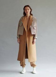 the Coat by Katya Silchenko is fashion brand from Ukraine and was named after its signature piece, the bright coat. The brand celebrates femininity, self-irony and a good sense of humor. Suit Fashion, High Fashion, Winter Fashion, Fashion Outfits, Womens Fashion, Coats For Women, Clothes For Women, Look Blazer, Iranian Women Fashion