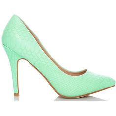 Fiebiger shoes crush mint snake high heels (€100) ❤ liked on Polyvore featuring shoes, pumps, mint green shoes, alligator shoes, pointy-toe pumps, pointy shoes and high heel pumps