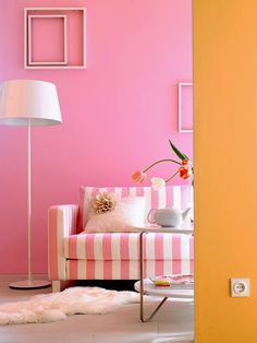 Eye For Design: Decorating With Pink and Orange Orange Rooms, Living Room Orange, Bedroom Orange, Orange Walls, Pink Walls, Home Design, Rose Orange, Orange Interior, Pink Room