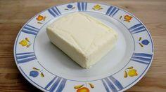 Připravte si smetanové máslo podle Martina Štangla, bývalého zástupce šéfkuchaře michelinské restaurace, který nyní vede kuchyni v restauraci Eska.