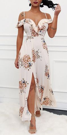 Holiday outfits jeans casual 55 Ideas for 2019 Dressy Dresses, Sexy Dresses, Cute Dresses, Summer Dresses, Sexy Maxi Dress, Silk Dress, Fashion Vestidos, Fashion Dresses, Elegant Outfit