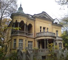 abandoned and so pretty