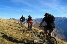An excursion from Voltigno Tableland, one of the Abruzzo's treasures. A plane sourrended by high mountains. On this tableland there is a suggestive river. There are a lot of itineraries but the most fascinating is one that crosses Caterina Valley and stops in Ricotta Refuge. #dreavel #bike #mountainbike #francavillaalmare #discoverabruzzo #tourism #toursinabruzzo #abruzzo #hiddentreasures #igersitalia