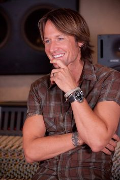 View the Going Home: Keith Urban photo gallery on Yahoo Music. Find more news related pictures in our photo galleries. Country Western Singers, Country Music Artists, Country Music Stars, Country Boys, Nicole Kidman, Urban Legends, Keith Urban, Going Home, The Ranch