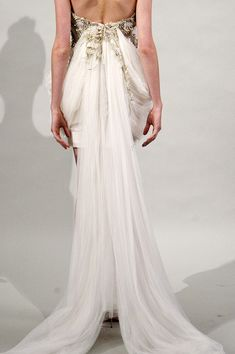 Marchesa Spring 2011 RTW - Review - Fashion Week - Runway, Fashion Shows and Collections - Vogue