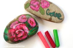 Okay–This is one our my family's FAVORITE art activity right after this geometric art activity ! HOT ROCKS! ANd guess what…it involves crayons…and rocks! Most have it on hand! So it's perfect for those bored days and you've got NOTHING planned! I send my kids outside with a bucket to gather up some rocks. We …