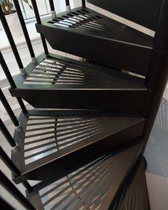 Best Enclosed Spiral Staircase Basement Ideas Pinterest 640 x 480
