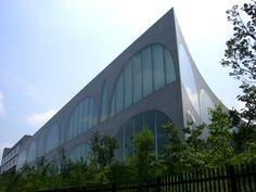 Tama Art University Library