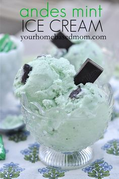 St. Patrick's Day: Mint Ice Cream www.yourhomebasedmom.com #icecream, #desserts