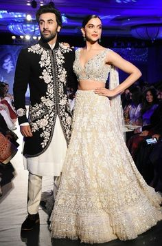 See how beautiful Ranbir Kapoor and Deepika Padukone Both are looking together walking on the ramp. See the images and the video of the event Indian Groom Wear, Indian Attire, Indian Wear, Pakistani Bridal Dresses, Bridal Lehenga, Indian Dresses, Indian Wedding Outfits, Indian Outfits, Wedding Dresses