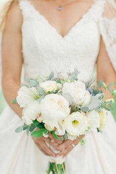 Perfect rustic, summer bouquet | Photography: Rachel Pearlman Photography - www.rachelpearlmanphotography.com
