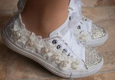 wedding converse trainers with crystals, lace & pearls. Wedding trainers, wedding converse, bridal Converse,wedding tennis shoes~would be super cute on the little flower girl 🤗😍 Wedding Tennis Shoes, Bling Wedding Shoes, Big Wedding Rings, Bling Shoes, Bridal Shoes, Wedding Reception, Reception Ideas, Wedding Ideas, Wedding Fun