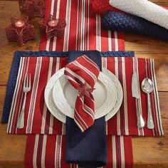 Bridgewater Stripe Placemats, cloth napkins, and runners matches well with Bridgewater Chindi tabletop and more!