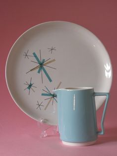 Salem china North Star atomic retro vintage patterned plate with aqua and tan design.