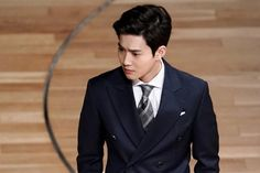 """Ha Yeon Soo And EXO's Suho Have An Intense First Meeting In """"Rich Man, Poor Woman""""Upcoming Wednesday-Thursday drama """"Rich Man, Poor Woman"""" has shared new stills of the intense first meeting between EXO's Suho and Ha Yeon Soo!""""Rich Man,..."""