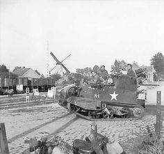 Universal Carrier (Bren Gun Carrier) - WWII
