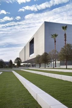Tampa Museum of Art, Tampa, Florida, 2007 http://bit.ly/AfaoFX #archilovers #architecture #design