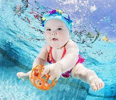 17 Lindas fotos de bebês embaixo d'água num inusitado – e fofo – projeto