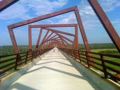 The High Trestle Trail Bridge, Iowa. High Bridge, Over The Bridge, Places To Travel, Places To See, Building Bridges, A Whole New World, Bike Trails, Beautiful Places To Visit, Usa Travel