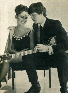 """The Beatles en el set de """"A Hard Day's Night"""", 1964 Sí, veo lo que hicieron allí!"""