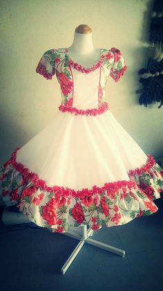 Vestido josefa Dance Outfits, Dance Dresses, Baby Girl Dresses, Baby Dress, Girls Party Wear, Kids Frocks, Frock Design, Edwardian Dress, Sweet Dress