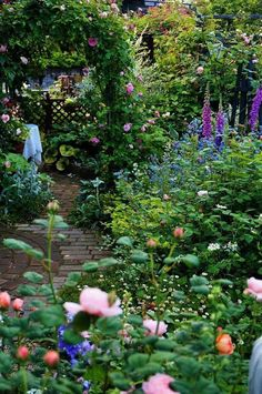 Ideas Dream Garden Flowers Landscapes For 2019 Rose Garden Design, Cottage Garden Design, Small Garden Design, Outdoor Landscaping, Outdoor Gardens, Landscaping Ideas, Shade Landscaping, The Secret Garden, Flower Landscape