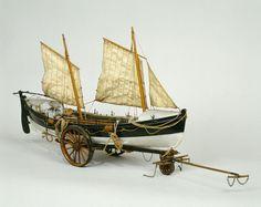 Maquette du canot de sauvetage de 9,78 m sur son chariot