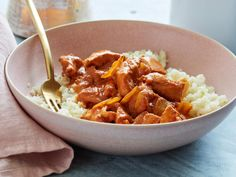 Instant Pot Chicken Tikka Masala You can have a flavorful and tender Chicken Masala in 10 minutes in your Instant Pot® while sticking to your diet plan. Indian Food Recipes, Healthy Recipes, Healthy Meals, Delicious Recipes, Keto Recipes, Free Recipes, Healthy Eating, Tandoori Masala, Carnivore