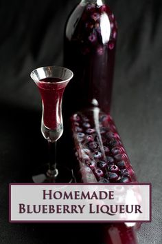 Homemade Blueberry Liqueur - another use for blueberries! Party Drinks, Cocktail Drinks, Fun Drinks, Yummy Drinks, Alcoholic Drinks, Liquor Drinks, Bourbon Drinks, Craft Cocktails, Beverages