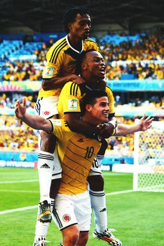 Colombia celebrate James Rodriguez Wallpapers, World Cup 2014, Football Soccer, Kids Playing, My Photos, Tumblr, Running, Celebrities, Fitness