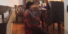 Torna a casa dopo la chemio, la reazione dolcissima del figlio di 2 anni è imperdibile…