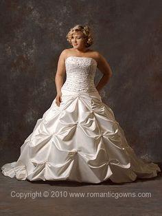 OMG! I LOVE THIS DRESS!!!! :D Bella Plus Size Wedding Gown - Wedding Dress
