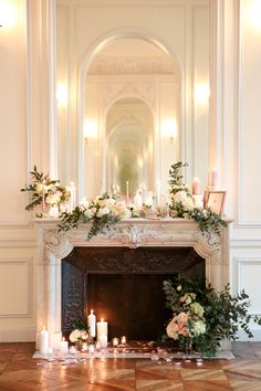 French style and modern details for a castle wedding Wedding Wonderland - wedding fireplace decor - Wedding Fireplace Decorations, Wedding Mantle, Home Wedding, Vintage Fireplace, Cozy Fireplace, Fireplace Design, Fireplace Mantels, Decor Photobooth, Flower Decorations