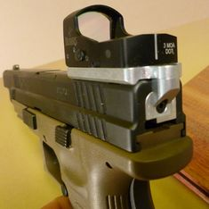 Red dot optic with Burris Fastfire on Springfield XD