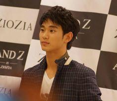 ZioZia fansign 130426  #KimSooHyun #김수현