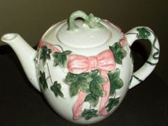 Ive been looking for something like this. Ill have to keep searching - Pink & Green Ivy teapot