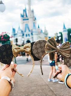 How We Did Almost Everything at Magic Kingdom in One Day - Adventure á la Mode - Disney - Disney World Outfits, Disney World Fotos, Cute Disney Outfits, Disney World Trip, Disney Vacations, Disney Trips, Disneyland Outfits, Disney Snacks, Disneyland Trip