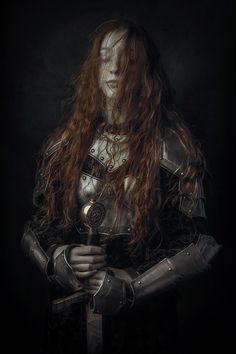 27 new ideas photography fantasy warrior queens High Fantasy, Medieval Fantasy, Fantasy Art, Fantasy Queen, Fantasy Inspiration, Character Inspiration, Character Art, Story Inspiration, Warrior Queen