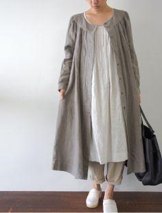 Linen in the Winter - Jacket / Dress [Envelope Online Shop] Michaela Lisette dress: Muslim Fashion, Modest Fashion, Hijab Fashion, Fashion Dresses, Linen Dresses, Modest Dresses, Look Fashion, Womens Fashion, Fashion Design