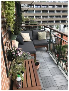 Small Balcony Design, Small Balcony Garden, Small Balcony Decor, Outdoor Balcony, Backyard Patio, Patio Stone, Flagstone Patio, Concrete Patio, Patio Table