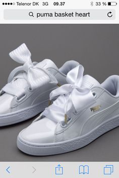 The Basket Heart Patent updates a basketball icon. White Sneakers, Casual Sneakers, Sneakers Fashion, Cool Shoes For Girls, Girls Shoes, Black Top And Jeans, Puma Basket Heart, Rihanna Shoes, Puma Cali